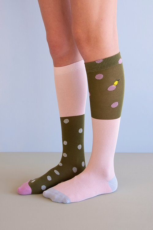 [20% SALE] knee high socks | seventies green + candy pink